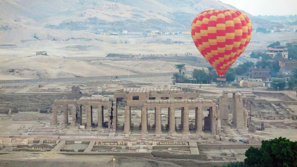 Ägypten Urlaub Tal der Könige Heißluftballonfahrt